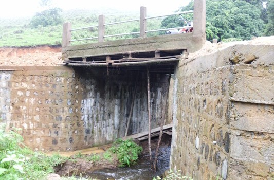 constructed  main bridge along the Tinechung-scan water road